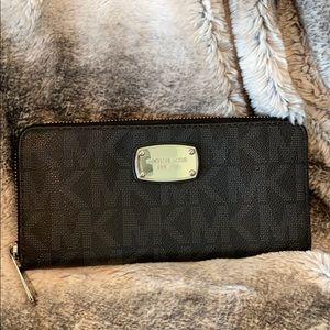 Micheal Kors Black wallet
